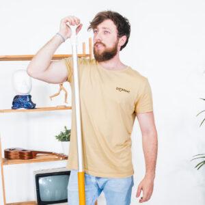 Camiseta_Unisex_Beige_Básica_Different_Chico
